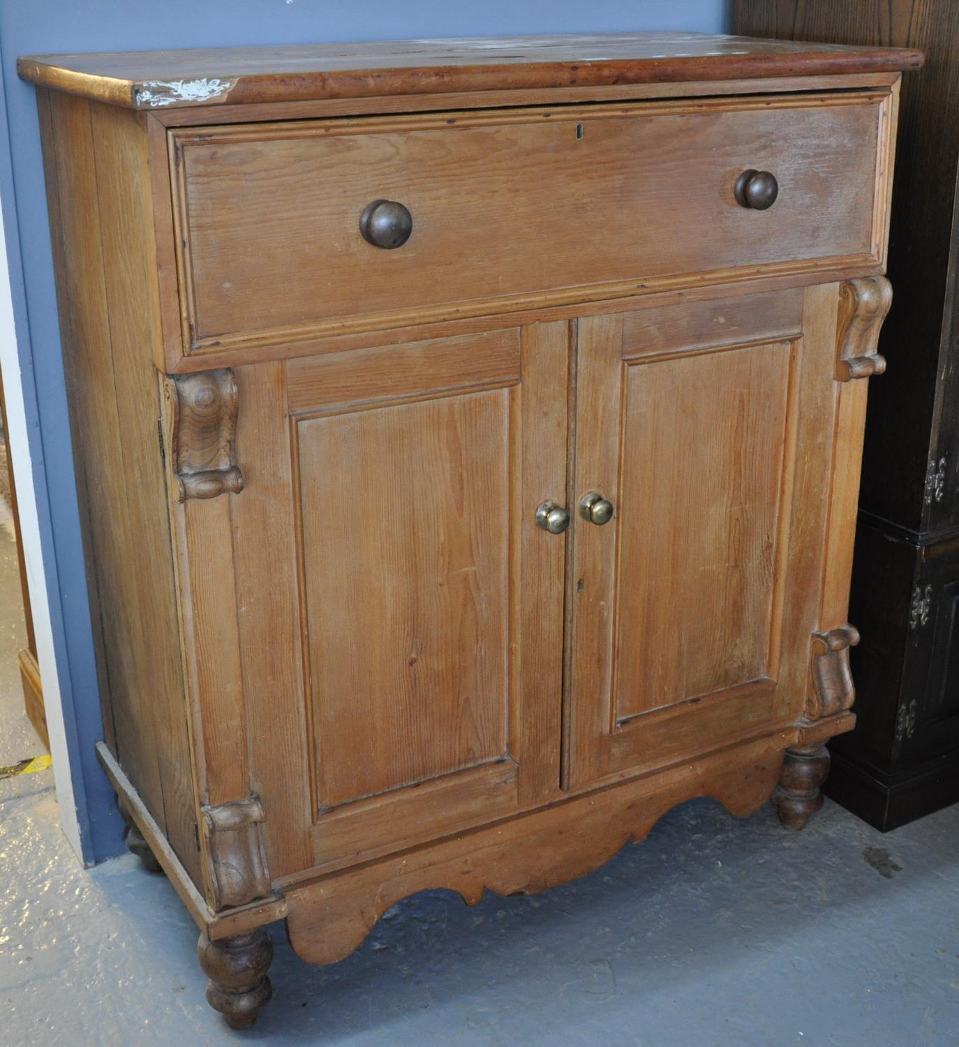 Antiques, Furnishings & Collectors